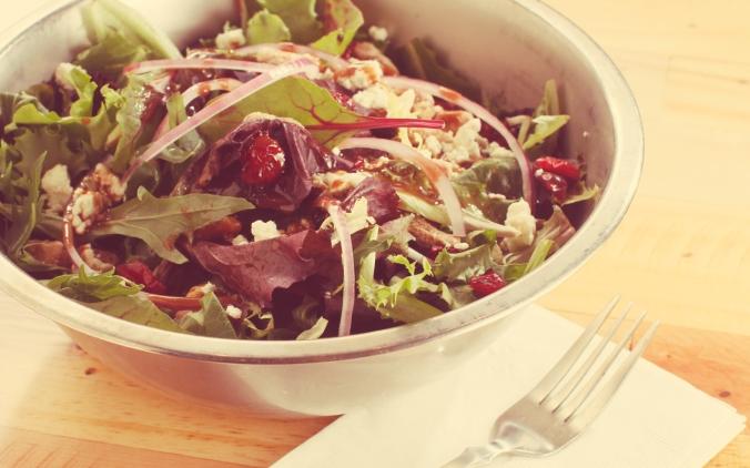 02-memphis-lunch-restaurant-cheffie's-cafe-large-house-salad-healthy-eating-option-memphis