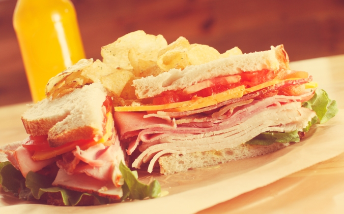 memphis-lunch-restaurant-cheffie's-cafe-club-sandwich-healthy-eating-option-memphis