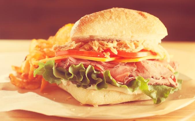 01-memphis-lunch-restaurant-cheffie's-cafe-memphis-sandwich-crunchy-roast-beef